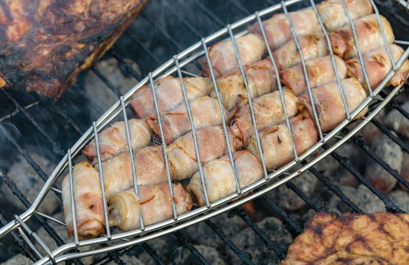 在烤肉或烤肉的生肉 免版税库存图片
