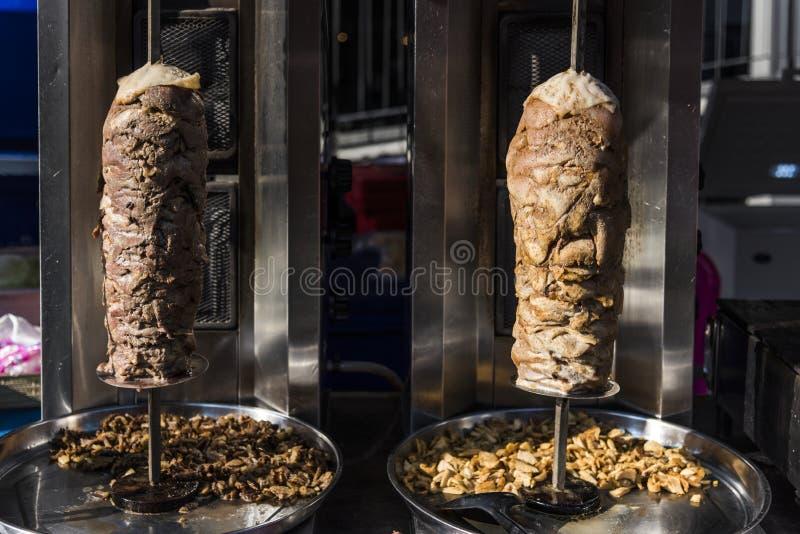 在烧烤唾液的Doner kebab 免版税库存照片