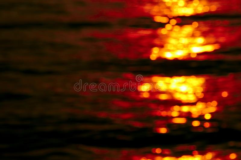 在热带橙色天空云彩的被弄脏的日落堆云彩 免版税库存照片