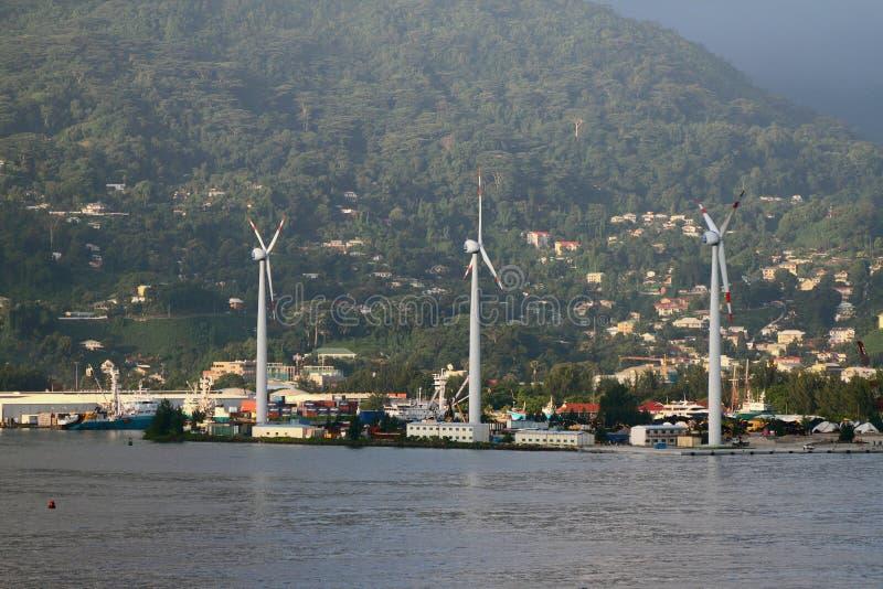 在热带海岛海岸的造风机  mahe塞舌尔群岛维多利亚 图库摄影