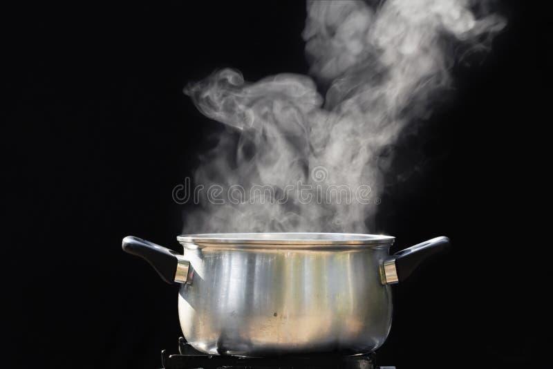 在烹调罐的蒸汽 库存图片