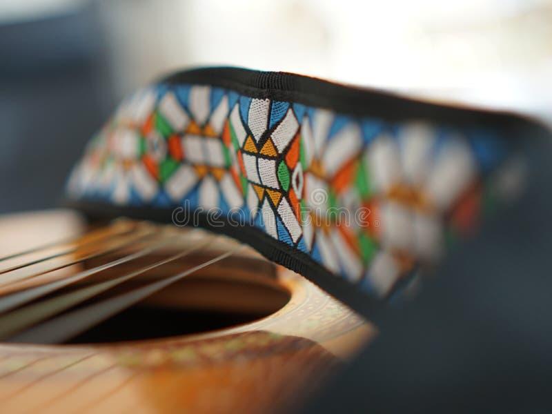 在焦点颜色吉他传送带摘要 免版税库存图片