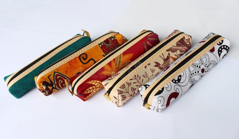 在爪哇布料的笔匣叫蜡染布 库存图片