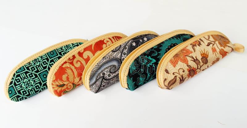 在爪哇布料的笔匣叫蜡染布 库存照片
