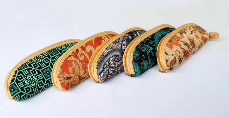 在爪哇布料的笔匣叫蜡染布 免版税库存图片