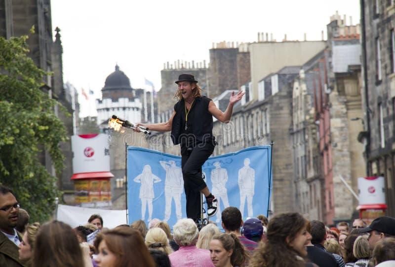 在爱丁堡节日附加费用的玩杂耍的火炬 免版税库存图片