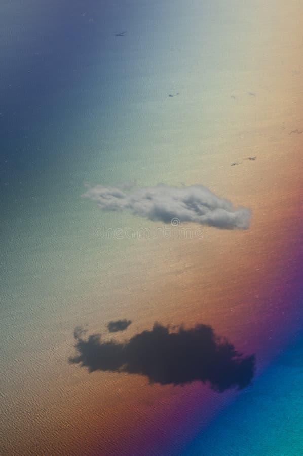 在爱琴海的北部的孤零零云彩从飞机看见了 免版税库存照片