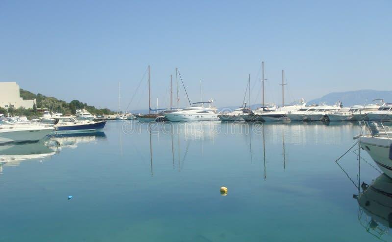 在爱琴海的游艇俱乐部 库存图片