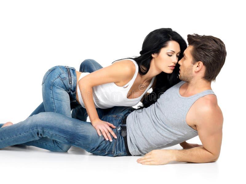 在爱的美好的性感的夫妇 库存照片