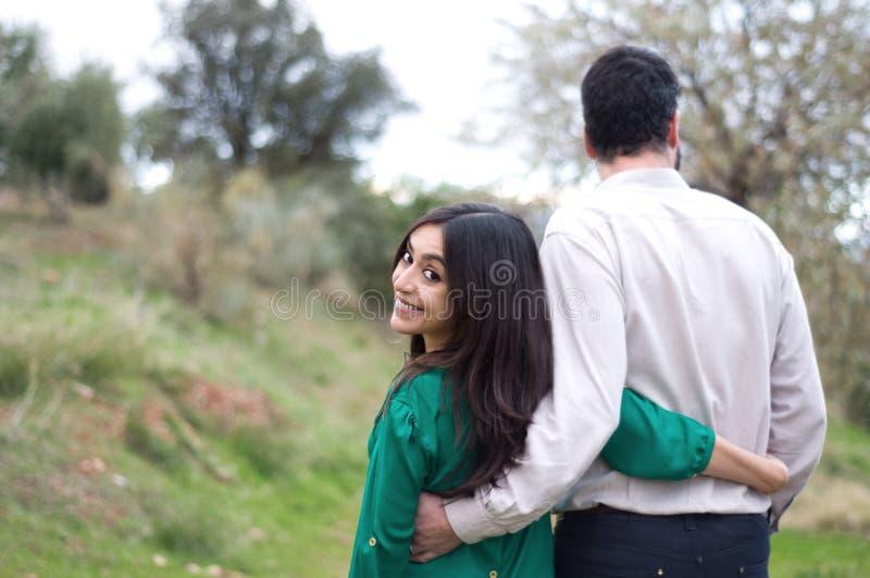 在爱的年轻夫妇 图库摄影