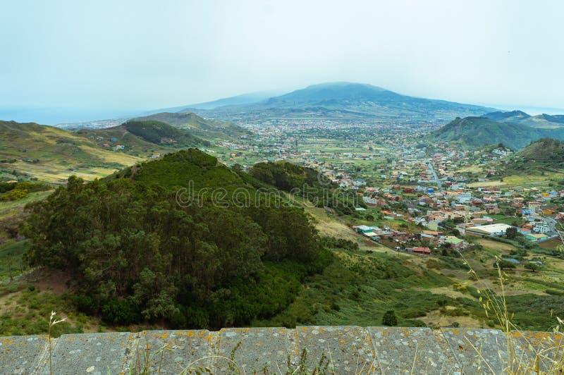 在特内里费岛北部的Anaga山  免版税库存照片