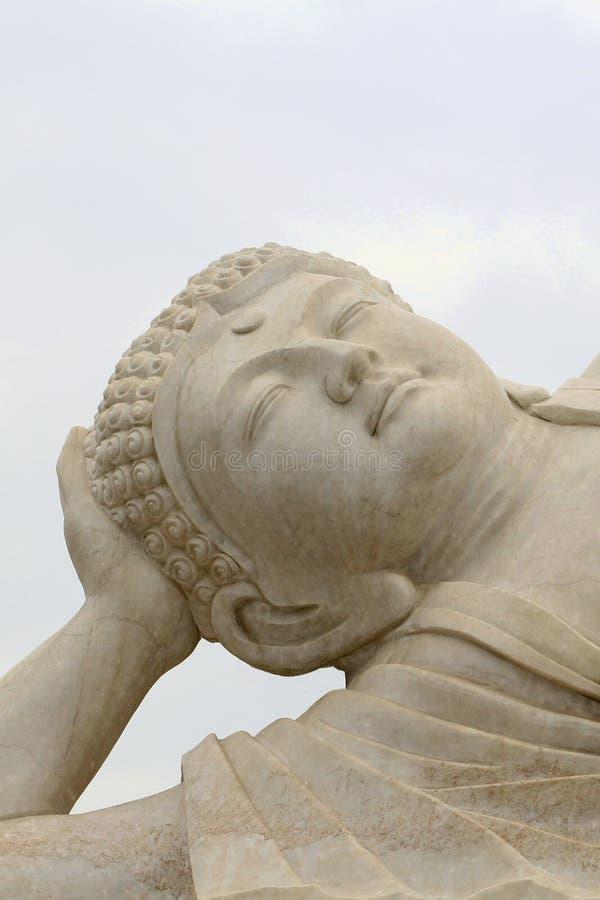 在特写镜头的白色禅宗菩萨 免版税图库摄影