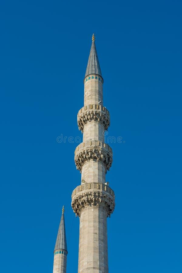 在特写镜头的蓝色清真寺尖塔塔 库存照片