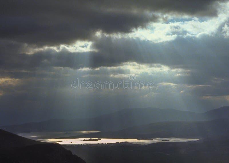 在特尔斐港口的天堂般的光芒亮光从上面 免版税库存图片