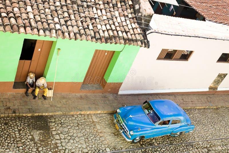 在特立尼达街道,古巴的出租汽车 免版税库存照片