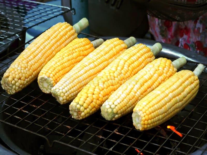 在玉米棒的烤玉米 库存图片