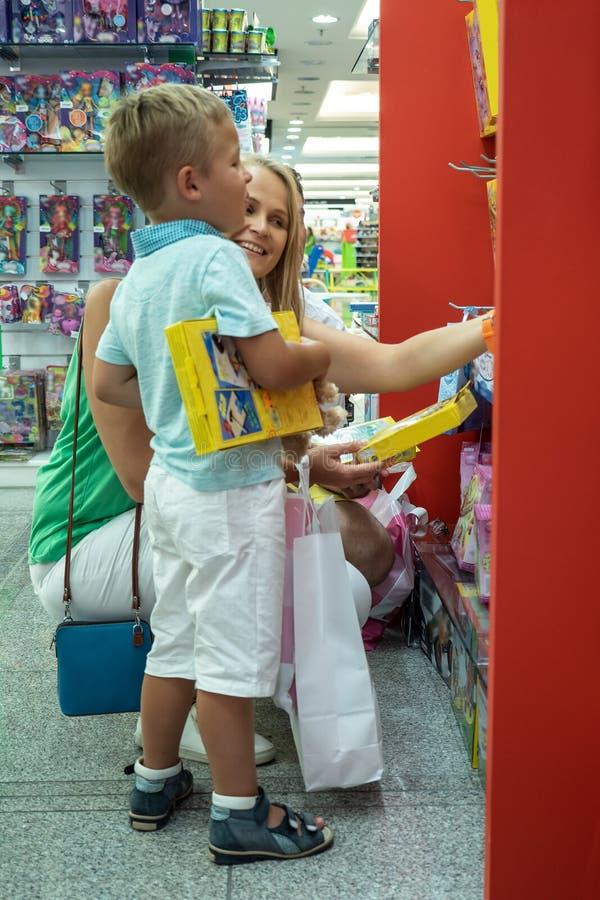 在玩具店 免版税库存照片