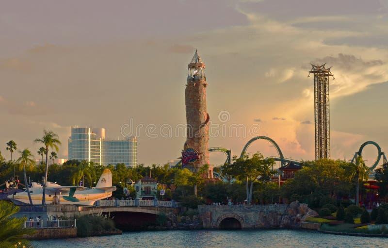 在环球影业,奥兰多,佛罗里达的日落高桥名人之冒险岛 免版税库存照片