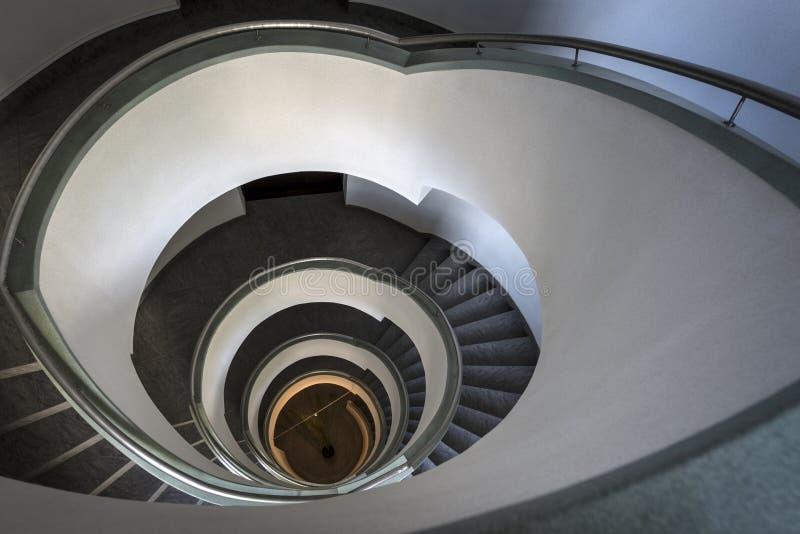 在现代大厦的抽象楼梯 图库摄影
