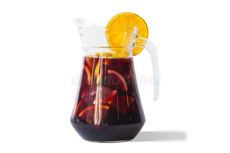 在玻璃投手的刷新的桑格里酒果汁喷趣酒饮料 免版税库存图片