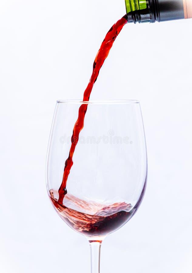 在玻璃的红酒 免版税图库摄影