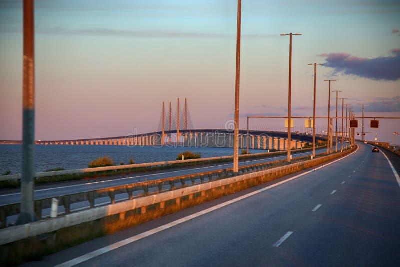 在瑞典和丹麦之间的厄勒海峡桥梁 免版税库存照片