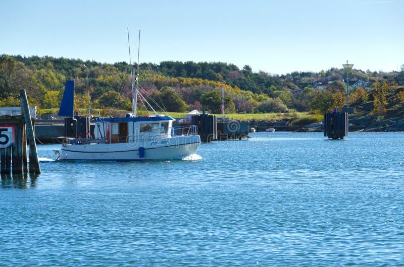 在瑞典westcoast的一小fishingboat 库存图片