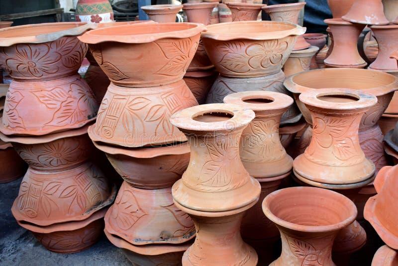 在瓦器工厂的Potteries 库存图片