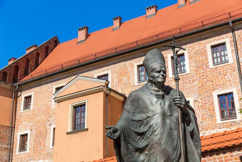 在瓦维尔山大教堂城堡,克拉科夫,波兰的纪念碑 库存图片