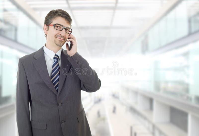 在电话上 库存图片