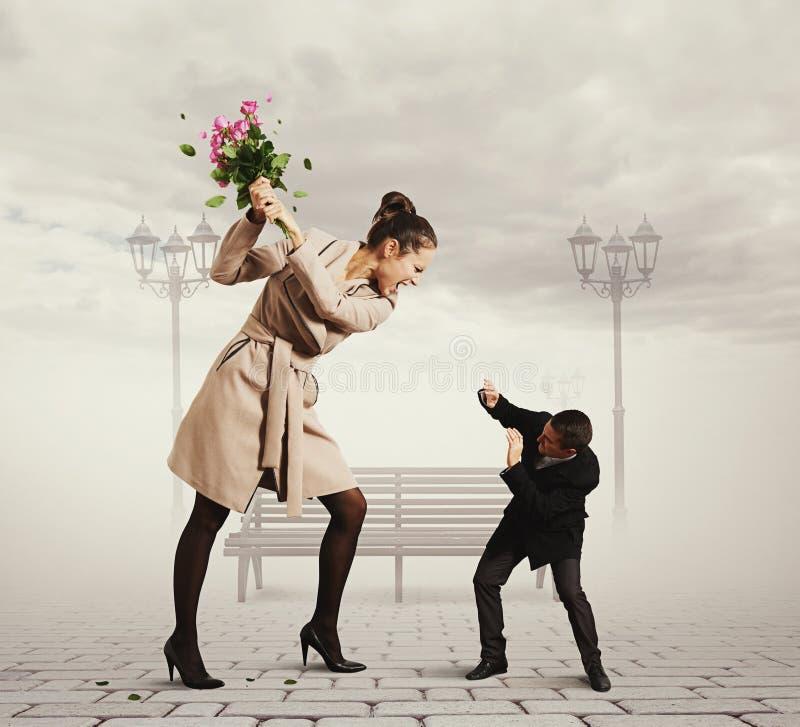 在男人和妇女之间的争吵 库存图片