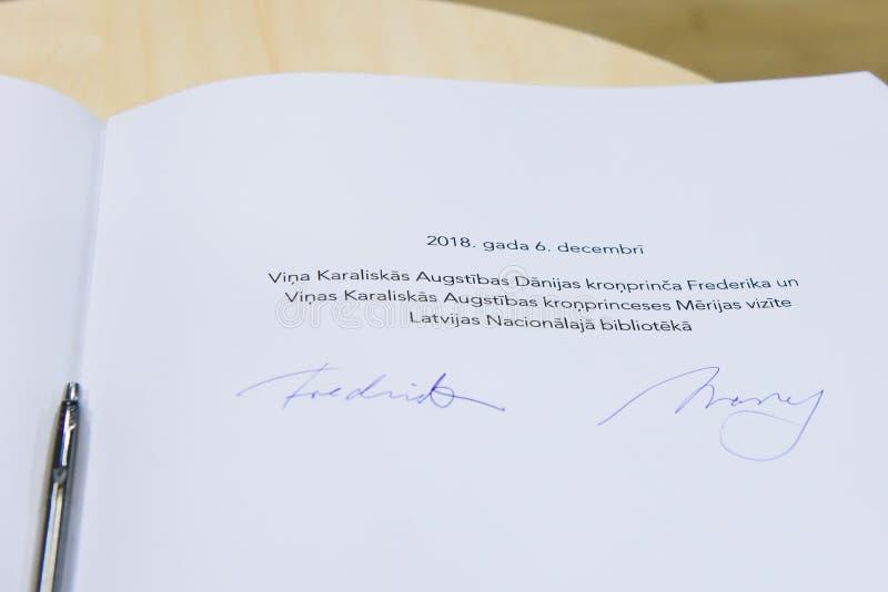 在留言簿的署名,丹麦弗雷德里克的皇太子 库存图片