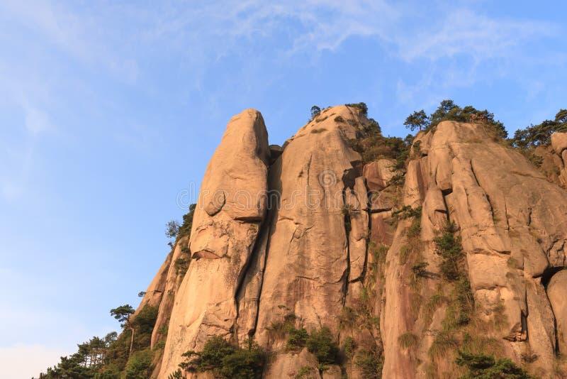 在登上Jiuhua的岩石 免版税库存图片