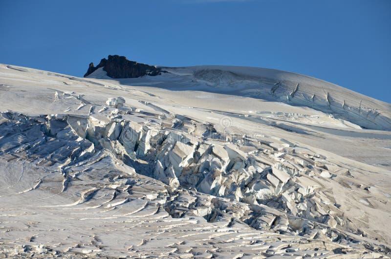 在登上tronador冰川的Seracs 巴塔哥尼亚-阿根廷 免版税库存照片