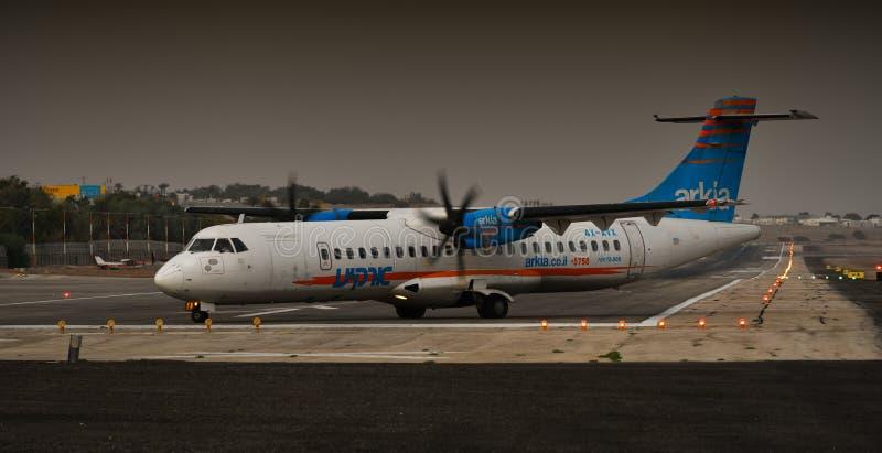 在登陆以后的飞机在埃拉特机场 库存图片