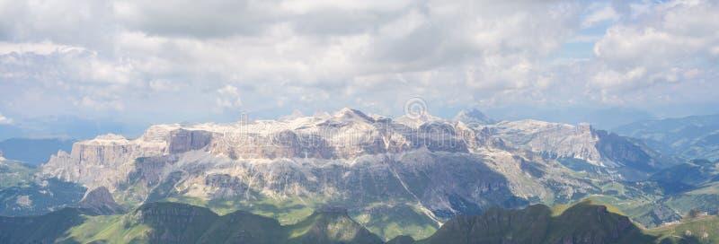 在白云岩的令人惊讶的风景在意大利 E 免版税库存照片