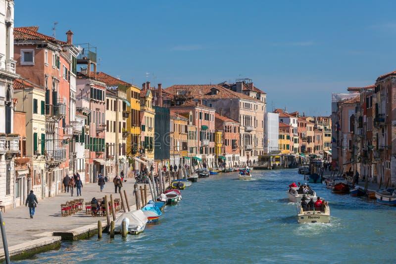 在白天的大运河视图在威尼斯,意大利 免版税图库摄影