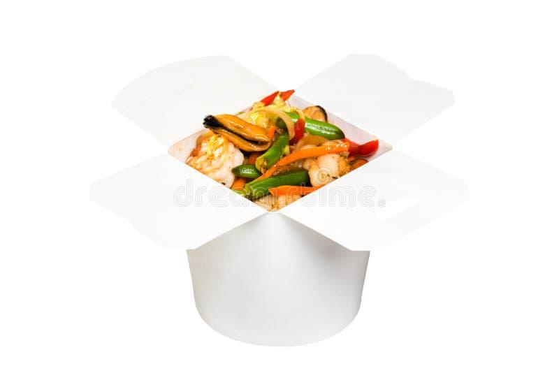在白皮书箱子的中国快餐盘 免版税库存照片
