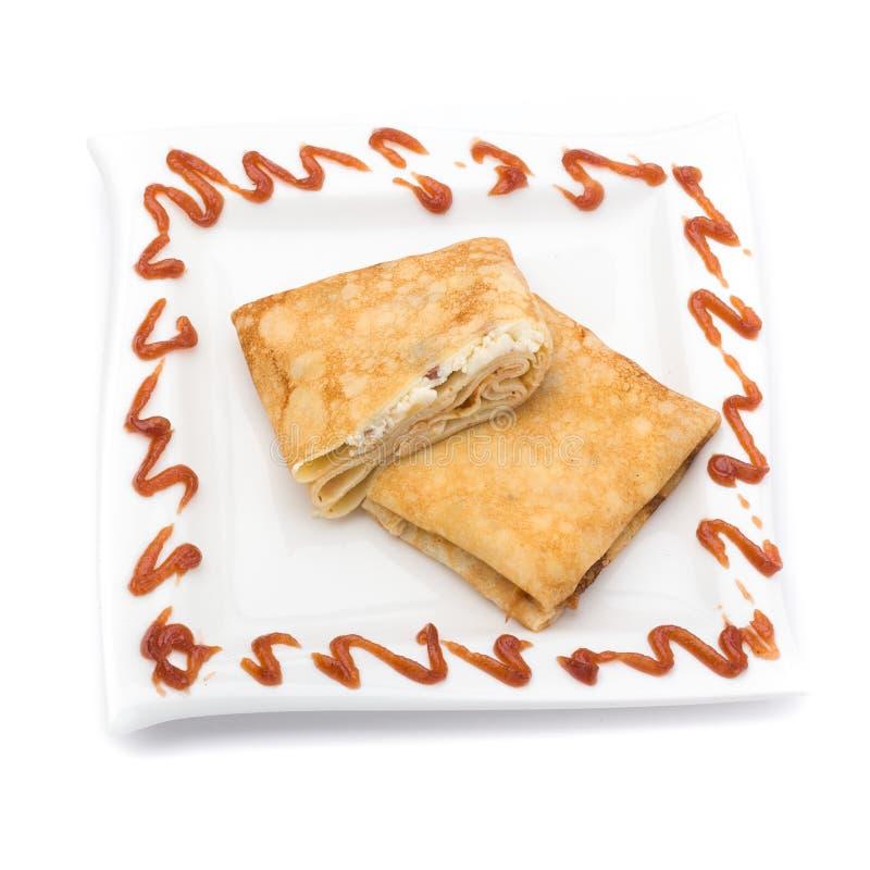 在白色关闭的被充塞的薄煎饼  库存图片