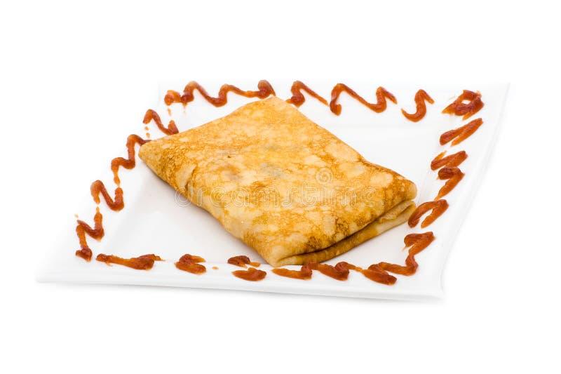 在白色关闭的被充塞的薄煎饼  免版税库存照片