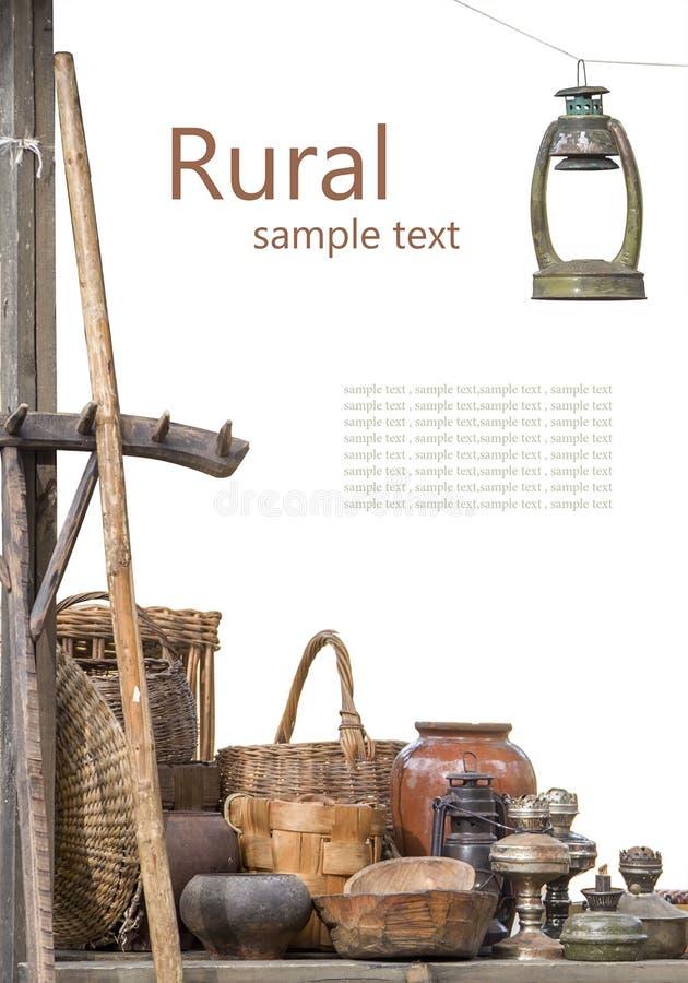 在白色后面隔绝的更旧的主题的农村构成 免版税库存照片
