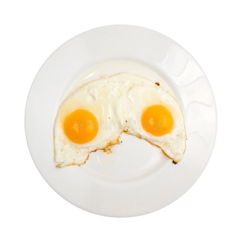 在白色板材的两个煎蛋 库存照片