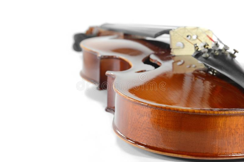 在白色查出的小提琴 免版税库存图片