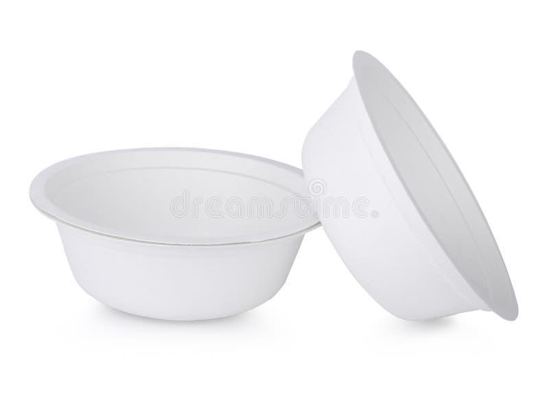 在白色的纸碗孤立 免版税库存图片