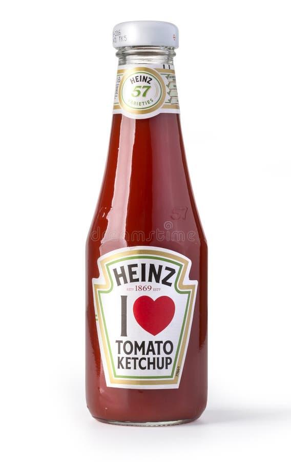 在白色的蕃茄酱瓶子 库存图片