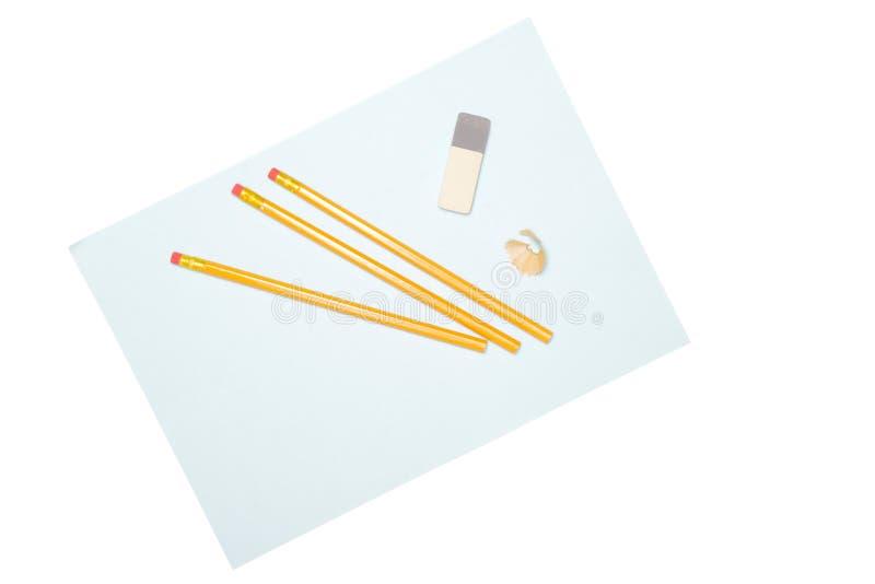 在白色的黄色简单的铅笔 免版税图库摄影