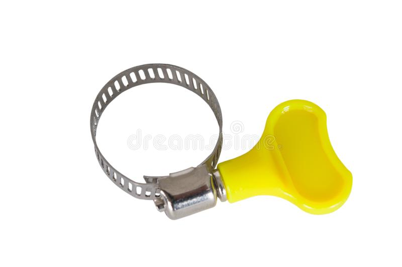 在白色背景关闭隔绝的水管连接的金属钳位  图库摄影