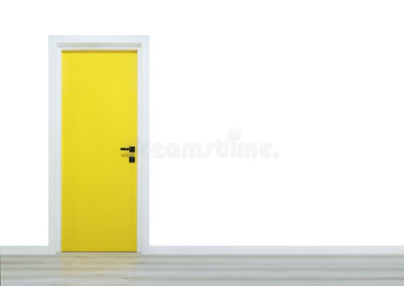 在白色背景和木墙壁的黄色门 库存图片