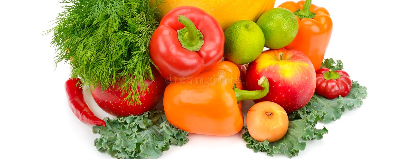 在白色背景水果和蔬菜隔绝 宽照片 免版税图库摄影