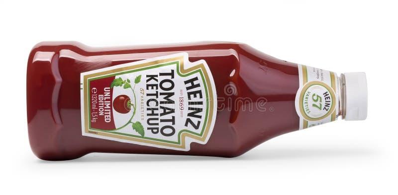 在白色背景海因茨番茄酱隔绝的一个瓶 库存照片